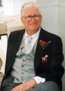 6 - Xavier dWdE 7 juillet 2001 (au Château de Vijverhof).JPG