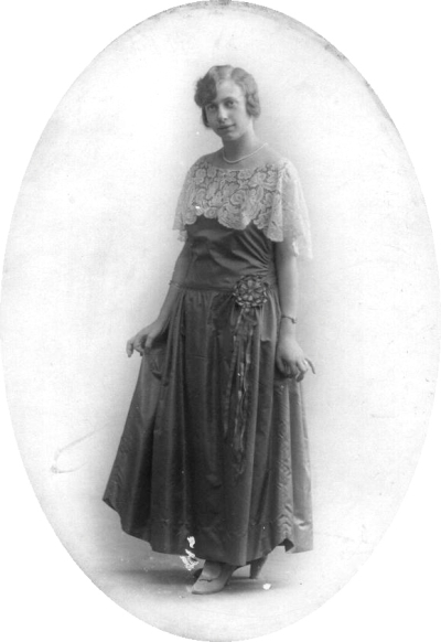 9 Hélène Forgeur premier bal